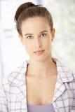 Красивая молодая женщина в pyjama стоковые изображения rf
