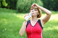 Красивая молодая женщина спорт Стоковое фото RF