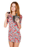Красивая молодая женщина с алкогольным напитком Стоковое фото RF