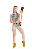 Красивая молодая женщина с инструментом для нарезания болтов Стоковая Фотография RF