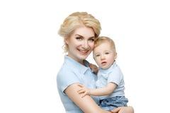Красивая молодая женщина с малышом Стоковая Фотография