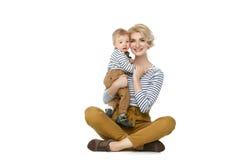 Красивая молодая женщина с малышом Стоковая Фотография RF