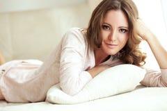 Красивая молодая женщина стоковое фото rf