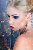 Красивая молодая женщина стоковые изображения rf