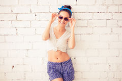 Красивая молодая модель с стеклами Стоковая Фотография