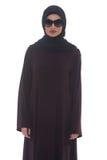 Красивая молодая мусульманская женщина с солнечными очками стоковая фотография