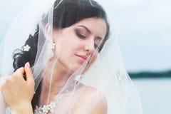 Красивая молодая невеста стоковые изображения