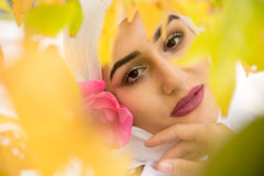 Красивая мусульманская женщина с hijab Стоковая Фотография RF