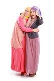Красивая мусульманская подруга совместно стоковые фотографии rf