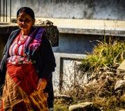 Красивая непальская женщина стоковые фотографии rf