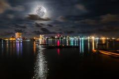 Красивая ноча на городе Labuan Стоковая Фотография RF
