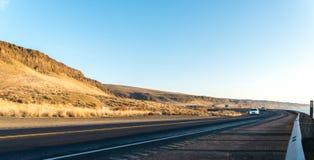 Красивая дорога близко Рекой Колумбия в сезоне зимы, WA Стоковые Фотографии RF