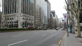 Красивая панорама на многоэтажных зданиях района Gangnam и дороге мульти-майны видеоматериал