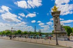 Красивая парижская сцена с Рекой Сена и Стоковые Изображения