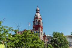 Красивая перспектива здания перспективы маленького утеса городская в весеннем времени, Арканзасе стоковая фотография