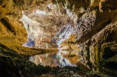 Красивая пещера в Лаосе Стоковые Фотографии RF