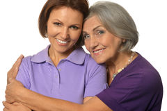 Красивая пожилая мать с взрослой дочерью Стоковая Фотография RF