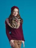 Красивая предназначенная для подростков девушка в ультрамодных одеждах Стоковое фото RF