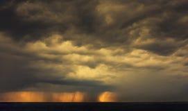 Красивая предпосылка неба захода солнца Стоковое Изображение RF