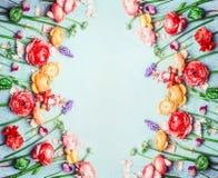 Красивая предпосылка цветков, флористическая рамка, верхняя часть Стоковые Фотографии RF
