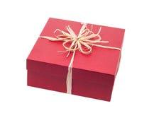 Красивая присутствующая коробка при подавляющий изолированный смычок Стоковая Фотография