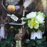 Красивая роза искусственных цветков и игрушек Стоковое Изображение RF