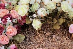 Красивая роза искусственных цветков стоковое изображение