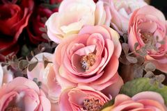 Красивая роза искусственных цветков стоковое фото rf