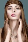 Красивая рыжеволосая женщина с тучными губами Стоковые Изображения RF