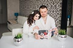 Красивая свадьба, жена супруга, любовники укомплектовывает личным составом женщину стоковое изображение