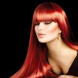Красивая сексуальная женщина с длинными прямыми волосами стоковое изображение rf