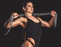 Красивая сильная женщина Стоковые Изображения RF