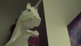Красивая скульптура единорога акции видеоматериалы