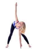 Красивая спортсменка делая наклоны на камере Стоковая Фотография