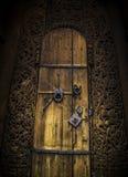 Красивая старая дверь к церков стоковое изображение rf