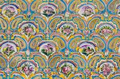 Красивая старая украшенная крася мозаика на стене Golestan Стоковое Изображение RF