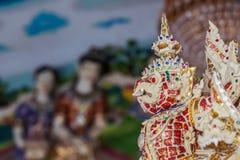 Красивая статуя garuda украшенная в буддийском виске Стоковые Изображения