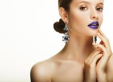 Красивая сторона молодой кавказской женщины с ярким составом Стоковое Фото