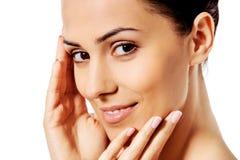 Красивая сторона молодой женщины с чистой свежей кожей Стоковые Изображения