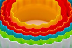 Красивая текстура с концентрическими кругами с цветами радуги стоковое фото rf