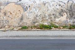 Красивая текстурированная стена в Nazare, Португалии Стоковое Изображение