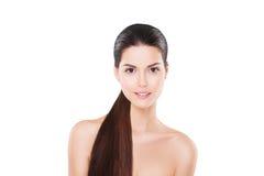 Красивая усмехаясь модель с совершенной кожей и длиной Стоковые Изображения RF