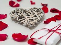 Красивая форма сердца деревянного weave стоковая фотография