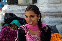 Красивая nepalese девушка стоковые фотографии rf