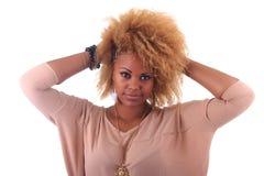 Красивейшая африканская женщина с длиной haircurly стоковая фотография