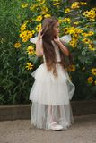 красивейшая белизна девушки платья Стоковые Изображения RF