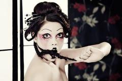 красивейшая белизна типа портрета девушки гейши Стоковые Изображения RF