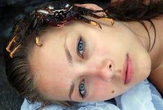 красивейшая белокурая девушка рака Стоковая Фотография