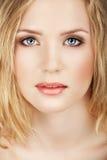 красивейшая белокурая женщина Стоковая Фотография