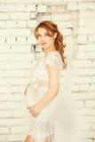 красивейшая беременная женщина Стоковое Изображение